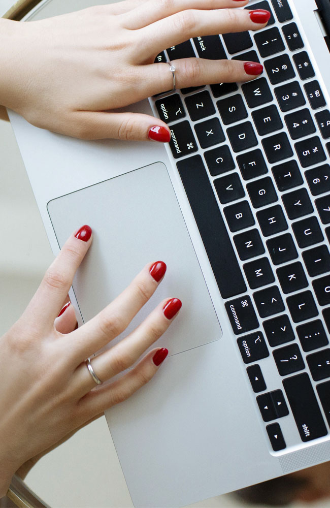 owami creativos, diseño y gestión de redes sociales asturias, diseño web asturias, diseño web oviedo